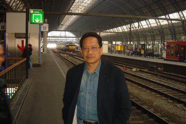amsterdam-14236D4468-969F-DAD0-DACD-B4D722FD6F42.jpg