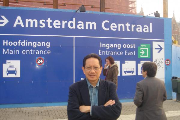 amsterdam-4A7AA94E9-0ED6-1FFA-2263-A3E58C7F5471.jpg