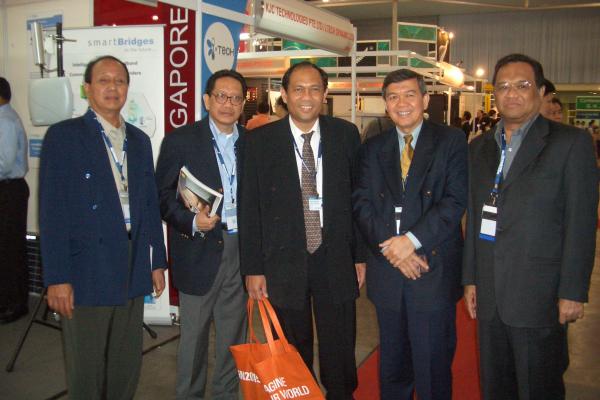 singapura-12CFB239A2-DB1D-4A42-44DD-71F9972902F5.jpg